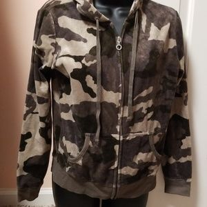 CAMO New York &Company Track Suit